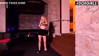 Jenny Wild 20yo Czech Babe Blows Club Managers Big Cock