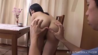 Sweet Neighbor Yuuna Hoshisaki Drops Her Clothes While Giving Head