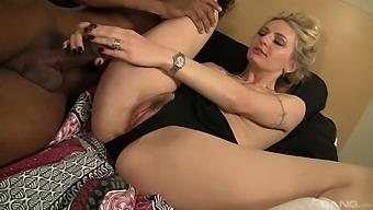 Tattooed Blondie Natasha Starr Gets Fucked By A Black Stud