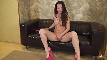 Gorgeous Milf Lia In Pink High Heels Pleasures Her Wet Pussy