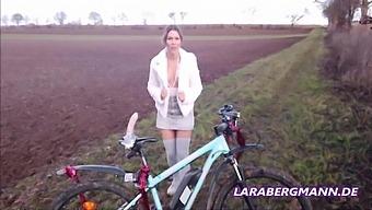 Pimp My Bike Part 2 - Xmas Version By With Lara Bergmann