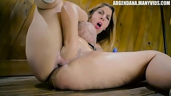 Slutty Woman Likes To Fist Her Own Ass As Well As To Use Massive Sex Toys