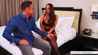 Stunning Seductress In Sexy Lingerie Abigail Mac Gets Her Slit Rammed