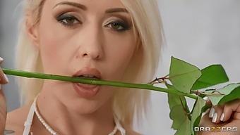 Anal Loving Girlfriend Christina Shine Moans During Wild Sex