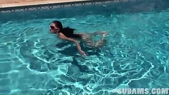 Outdoors Video Of Sexy Brook Sunbathing Naked By The Pool