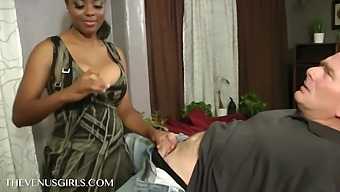 Busty Ebony Natalia Starr Gives Amateur Titjob With Her Big Naturals