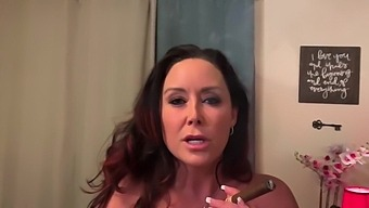 Christina Carter In Smoking Hot Fighter