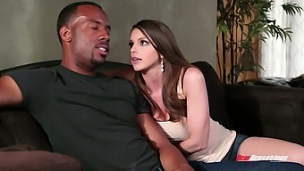 Big Tittied White Milf Brooklyn Chase Gets Her Cunt Blacked And Takes Cumshots On Boobs