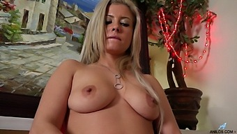 Sexy Mature Alana Luv Opens Her Legs To Pleasure Her Pussy