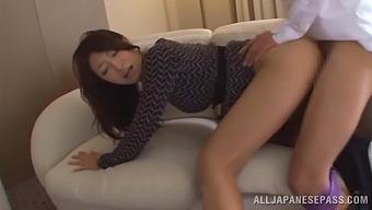 Trimmed Pussy Hottie Reiko Kobayakawa Spreads Her Legs For Nice Sex