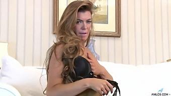 Sexy Pornstar Vanessa Jordan Takes Off Her Lingerie To Masturbate