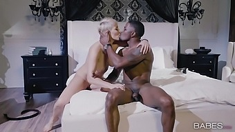 Black Guy Fucks His Mature Neighbor Ryan Keely With Big, Thick Tits