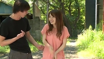 Asian Cutie Hayama Hitomi Gets Her Fuzzy Box Boned Outside