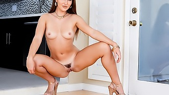 Paige Owens: Shameless Anal & Gaping