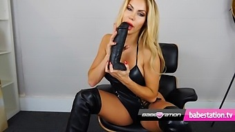 Teen Marni Moore Dirty Talk And Sex Toy Play