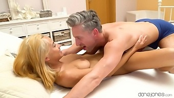 Handsome Blonde Veronica Leal Moans While Having Passionate Sex