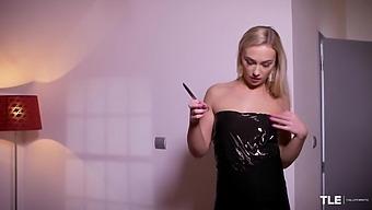 Unwrap Me 2 01 Jenny Wild - Thelifeerotic