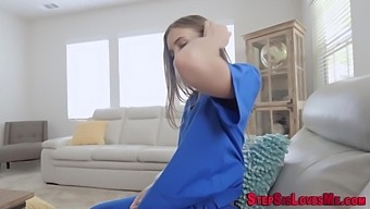 Petite Stepsister Gets Pussy Railed