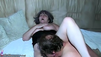 Brunette Amateur Mature Mom Doggystyle Creampie