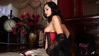 Wearing Corset And Nylon Stockings Bonnie Bellotti Teases Her Wet Pussy