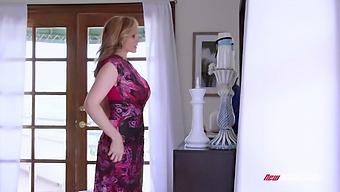 Fantastic Steamy Lesbian Sex Of Lovely Looking Julia Ann And Dakota Skye