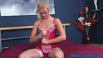 Horny Blonde Girl Kimberly Cox Opens Her Legs To Masturbate