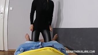 Hot Muslim Milf Pussy Squirt - Daphne Klyde