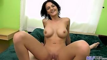 Cum All Over Big Tit Milf Taylor Lane - Taylor Layne