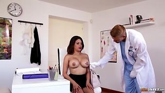 Wet Pussy Of Slutty Big Breasted Secretary Kesha Ortega Is Banged On The Table