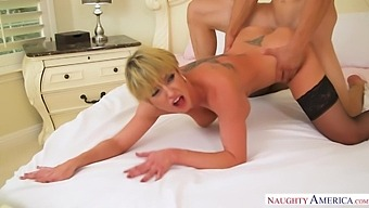 Sexy Big Breasted Milf In Black Stockings Dee Williams Is Into Fucking Doggy
