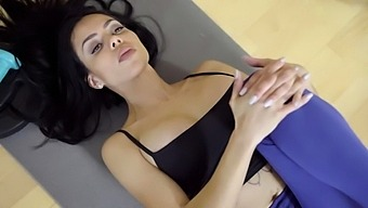 Canela Bounce Up And Down Nicely On Her Coach Juan'S Cock
