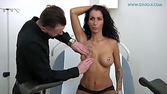 Valentina Sierra 42 Years Girl Gyno Exam