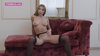 Marilyn Crystal - Amazing Glamour Chick Marilyns Hot Solo