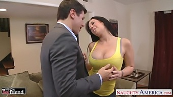Playful Busty Brunette Jayden Jaymes Seduces Man As She Wanna Some Quickie