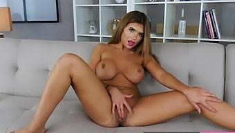 Hot Anna Bailey Sexy Pussy Fingering