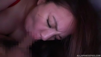 Curvy Japanese Chick Oda Mako Moans While Getting Fucked Hard