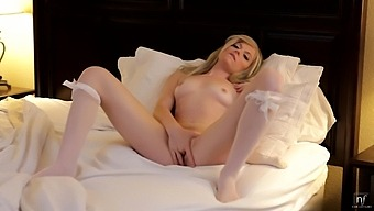 Sweet Solo Model Bailey Bradshaw Plays With A Vibrator On The Bed