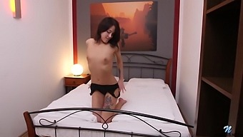 Kris The Foxx Darkhaired Babe Pussy Rubbing
