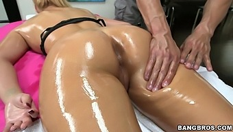 Amazing Dick Sucking By Oiled Blondie Phoenix Marie During A Massage