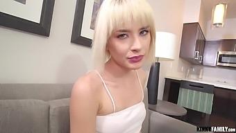 Kinky Family - Jessie Saint - Fucking Blonde Stepsis Again