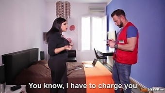 Chubby Latin Housewife Sheila Ortega Is Cheating On Her Man With Handyman