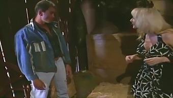Nina Hartley Se Fait Baiser Dans Le Foin !