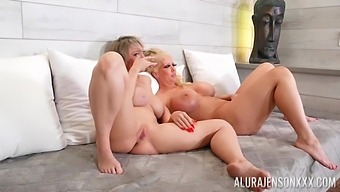 Threeway With Babes Alura Jenson And Dee Williams And T-Girl Jessy Dubai