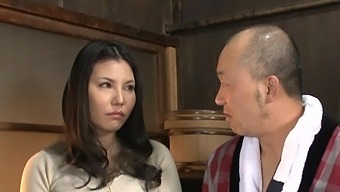 Quickie Fucking At Home With Busty Japanese Housewife Sophia Takigawa