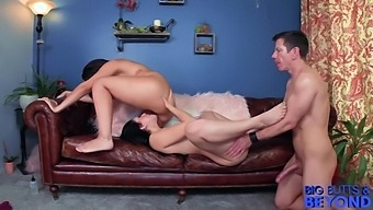 Big Butts & Beyond: Mandy Muse & Valentina