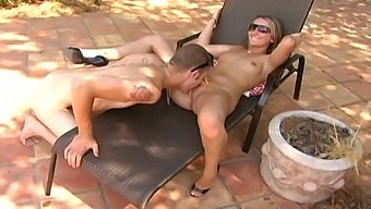 Amateur Outdoors Fucking With Horny Jessie Cox In High Heels