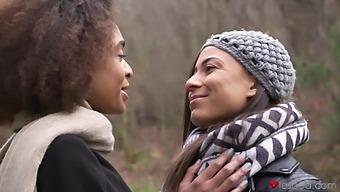 Lesbian Interracial Sex At Home With Luna Corazon And Cassie Del Isla