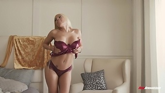Sexy Underthings Make Luna Star Feel Special, So She Fucks With Class