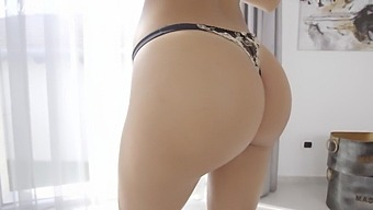 Foxy Babe Shalina Devine Getting Orgasmic From Anal Sex - Analjust