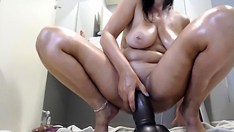 Amateur Brunette Ariana Marie Solo Toying